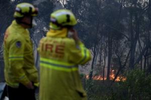 ระทึก! ไฟป่าออสเตรเลียเผาบ้านวอดนับร้อยหลัง คร่าแล้ว 2 ศพ-สูญหาย 7