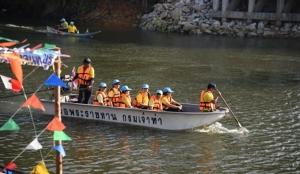 จิตอาสาจันทบุรีร่วมทำความสะอาดแม่น้ำลำคลอง รับงานลอยกระทง 100 ปีน่านนทีวิถีจันท์