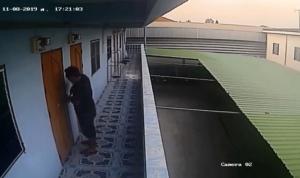 หนุ่มพ่อลูกอ่อนวอนตำรวจจับคนร้ายงัดห้องพักสูญทรัพย์หลายรายการ