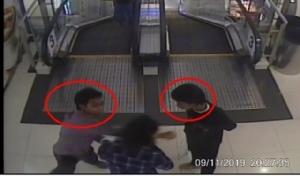เตือนภัย! หนุ่มเดินห้าง เจอสองเด็กช่างทำทีทักทาย ก่อนแจกหมัดเข้าหน้า (ชมคลิป)