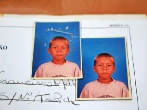 เด็กชาย โรเบอร์โต้ ฟีร์มีโน ที่วัยเด็กบ้านไม่มีไฟฟ้าใช้