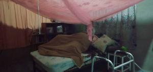 สุดสลด! แม่วัย 87 ป่วยติดเตียงไม่ได้กินข้าวอยู่กับศพลูกขึ้นอืดกลิ่นคลุ้งเต็มบ้าน