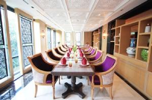 ห้องอาหารบารากัตตกแต่งสวยงาม