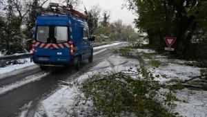 ฝรั่งเศสเจอหิมะตกหนัก บ้านไฟฟ้าดับ 300,000 หลัง สังเวยแล้ว 1 ศพ
