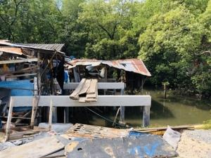 สุดทน! คนเห็นแก่ได้สร้างร้านอาหาร-ร้านกาแฟรุกพื้นที่ป่าชายเลน อ.แกลง จ.ระยอง