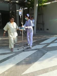 โรงพยาบาลราชพฤกษ์เร่งย้ายคนไข้ออกจากตัวอาคาร หลังได้รับแรงสั่นสะเทือนจากแผ่นดินไหวในสปป.ลาว