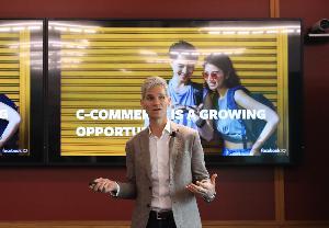C-Commerce ในปีหน้า นอกจากจะมีการซื้อมากขึ้น เชื่อว่าจะเกิดการเปลี่ยนแปลงในองค์กรใหญ่ ที่จะไม่รอวันทำการ และจะเข้ามาเล่นใน C-Commerce มากขึ้น
