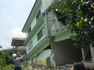 ภาพอาคารที่เสียหายจากแผ่นดินไหวที่ จ.เชียงราย เมื่อปี พ.ศ.2557