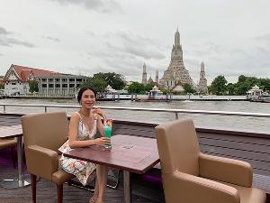 """หรูหรามาก """"รถเมล์"""" ขึ้นโรงแรมหรูระดับ 5 ดาว ล่องเรือใหญ่ที่สุดในภูมิภาคเอเชีย"""