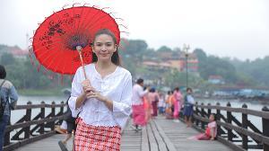 """""""น้ำหวาน"""" สัมผัสวิถีชีวิตชาวมอญที่สะพานมอญ สะพานไม้ที่ยาวที่สุดในประเทศไทย"""