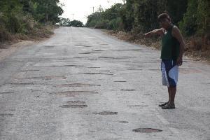 ถนนหรือหลุมขนมครก!? ชาววังไทร-วังตะเคียนครวญถนนพังยาว 3 กิโลฯ ไร้หน่วยงานแก้ไข