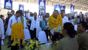 """""""สมศักดิ์"""" มั่นใจคว้าเก้าอี้ ส.ส.เขต 7 ขอนแก่นเพิ่มเสียงให้รัฐบาล แกนนำเพื่อไทยแห่ให้กำลังใจผู้สมัคร"""