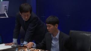 """แชมป์หมากล้อมเกาหลีประกาศวางมือ-ยอมรับ """"AI"""" เหนือชั้นกว่า"""