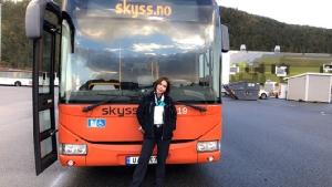 จงศรัทธาตัวเอง! โชเฟอร์รถเมล์ 18 เมตร สาวไทยในนอร์เวย์ ค่าตัวเดือนละแสน!! [มีคลิป]