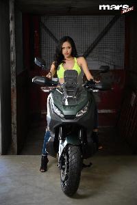 Honda X-ADV บิ๊กสกู๊ตเตอร์สะท้อนจิตวิญญาณแห่งการผจญภัย