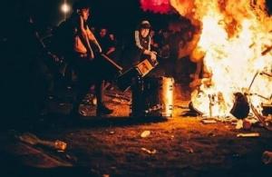 แฟนคลั่ง! เผาเครื่องดนตรี Evanescence หลังยกเลิกคอนเสิร์ตเพราะเหตุผลความปลอดภัย