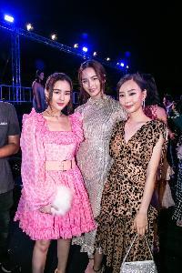 """""""ดับบลิวพี เอ็นเนอร์ยี่"""" มุ่งเคียงข้างสร้างรอยยิ้มแก่วงการแฟชั่นและอาหารไทยในงานแฟชั่นโชว์ World Curated By WP Energy x Thai Designers x Wang Hinghoi"""