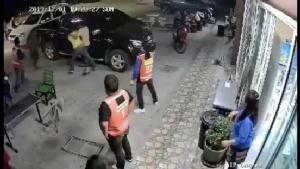 ขนส่งชลบุรีลงพื้นที่แก้ปัญหาวิน จยย.รับจ้างตีกับคนขับรถแกร็บคาร์
