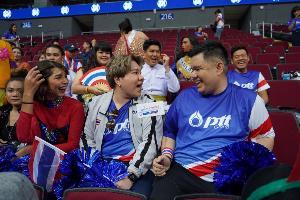 """""""บุ๊กโกะ- เต๊นท์"""" จากรายการ """"ตกมันส์บันเทิง"""" พาทัพไทยบินลัดฟ้า ร่วมเชียร์นักกีฬาไทยสู้ศึกซีเกมส์ 2019"""