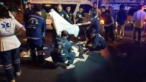 หนุ่มเมืองคอนขับ จยย.ฝ่าไฟแดงชนแท็กซี่ เสียชีวิตพร้อมเพื่อน