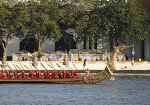 ประมวลภาพ : กองทัพเรือซ้อมใหญ่ขบวนเรือพระราชพิธีฯ ครั้งที่ 3 สุดสวยงามตระการ