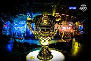 """อินโดนีเซียคว้าแชมป์โลก """"PUBG Mobile"""" ไทยจบที่สาม"""