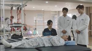"""""""โมโนแมกซ์"""" นำเสนอชีวิตกลุ่มแพทย์และนักกายภาพ ผ่านซีรีส์เกาหลี """"A Poem a Day ฝากหัวใจใส่บทกวี"""""""