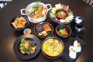 """""""สยาม ชาร์มมิ่ง"""" ร้านสวยชวนนั่ง อิ่มหนำเสน่ห์อาหารไทย"""