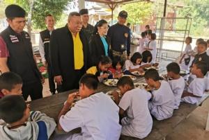 สั่งเด้งพร้อมตั้งกก.สอบ! ผอ.ร.ร.บุรีรัมย์งาบงบฯอาหารกลางวันเด็ก แฉซ้ำกินอีกหลายโครงการ