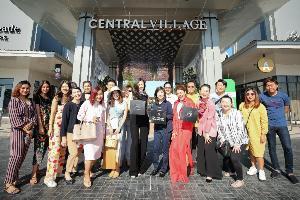 "The 1 จับมือ ""ปอย-ใบเฟิร์น"" พาสมาชิกกช้อป-ชิลล์แบบฟินๆ กับกิจกรรม The 1 Exclusive One Day Trip เป็นครั้งแรกที่ Central Village"
