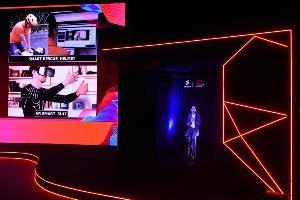ผู้บริหารทรู นำเทคโนโลยี hologram มาแสดงให้เห็นศักยภาพของ 5G