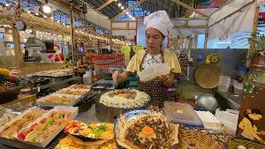 """โตเกียวกะเพรายักษ์! ขนมสไตล์ใหม่ แบบฉบับร้าน """"ขนมครกสองสมัย"""" เตรียมต่อยอดเมนูสี่ภาค"""
