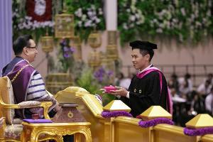 ม.รังสิต มอบรางวัลเชิดชูเกียรติบัณฑิตเหรียญทองสังคมธรรมาธิปไตย ประจำปี 2562