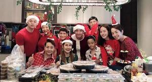 """กระชับรัก? """"โตโน่ - ณิชา"""" จัดปาร์ตี้คริสต์มาส เชื่อมสัมพันธ์สองครอบครัว"""