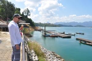 """รองอธิบดีกรมเจ้าท่าลุยคุมเข้มการเดินเรือบริการนักท่องเที่ยวชมความงาม """"กุ้ยหลินเมืองไทย"""""""
