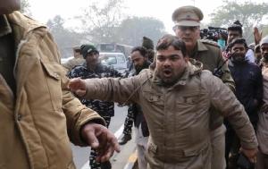 อินเดียเรียกค่าเสียหาย-ขู่ยึดทรัพย์ผู้ประท้วง