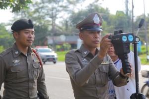 ตำรวจเขาหลักเข้มตรวจจับความเร็วป้องกันอุบัติเหตุช่วงปีใหม่