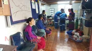 (ชมคลิป)เผยนาที SKY DOCTOR บินฝ่าควันไฟป่าชายแดนอุ้มผาง ช่วยเด็กกะเหรี่ยงวัย 5 เดือน