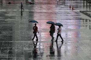 เตือน! 3-5 ม.ค.อากาศแปรปรวน เหนือตอนบน ฝนฟ้าคะนอง-ลมกระโชกแรง ใต้มีคลื่นสูงเกิน 3 ม.