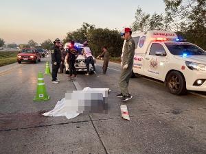 สยอง! รถปริศนาชนแล้วหนี ลากศพหนุ่มลำปางเนื้อหลุด-สมองกระจายเกลื่อนโค้งร้อยศพ