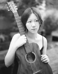 """""""ให้ฉันยืม"""" เพลงโฟล์คยอดนิยมปี 2016 จากศิลปินสาวน้อยชาวเจ้อเจียง """"เซี่ย ชุนฮวา"""""""