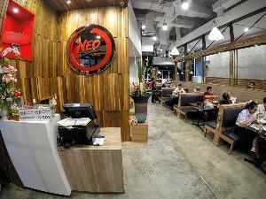 """จากธุรกิจโลจิสติกส์ข้ามสายพัฒนาธุรกิจร้าน """"นีโอสุกี้"""" พร้อมต่อยอดสู่ร้าน """"ข้าวแกงเฮียเพ้ง"""""""