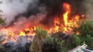 หนุ่มใหญ่ชลบุรีเผาขยะใกล้บ้านทำลุกลามไหม้ป่าละเมาะ-บ้านตัวเองเสียหายทั้งหลัง
