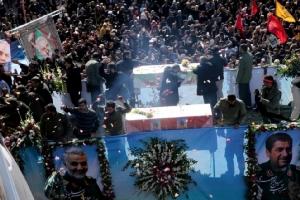 """อิหร่านเตรียม 13 แผนไว้แก้แค้นสหรัฐฯ สลด! เหยียบกันตายในพิธีศพ """"โซไลมานี"""""""