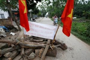 เวียดนามปะทะเดือด กลุ่มผู้ชุมนุมเข้าโจมตีเจ้าหน้าที่ทำตำรวจดับ 3 นาย