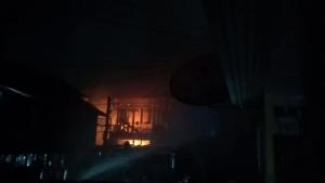 ไฟไหม้ชุมชนบ้านครัวเหนือย่านราชเทวี วอด 10 หลัง