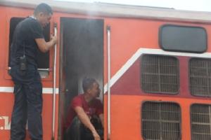 ระทึก! ไฟไหม้หัวรถจักรรถไฟขบวนด่วนพิเศษกรุงเทพฯ-สุไหงโก-ลก เกือบวอดทั้งขบวน
