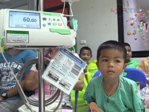 """หมอ-พยาบาล รพ.มหาราชนครศรีฯ ร่วมจัดงาน """"วันเด็ก"""" สร้างโอกาสให้แก่เด็กป่วย"""