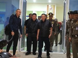 ผบ.ตร.บินด่วน ตามคดีจี้ร้านทองในห้างที่ลพบุรี
