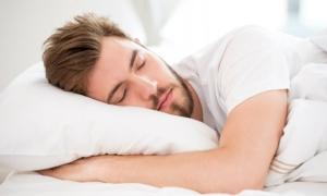 """10 วิธีนอนหลับถูกอนามัย """"ดื่มนมอุ่นๆ-จิบชาคาโมมายล์"""" ไม่ช่วยหลับง่ายขึ้น"""